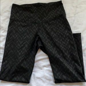 {old navy} active leggings, black. Size L.